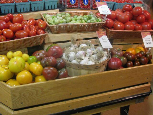 CM garlic display
